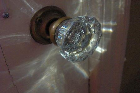 How To Fix Glass Door Knobs That Squeak Doityourself Com