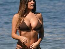 20070726 lucy pinder bikini