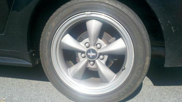 I tried to post this in the forums, but you can't post pics, so I'll ask here. I'm getting new rims, so I have no use for these. I was wondering, does anyone know what the value of these stock rims is? I want to offer a decent price without getting ripped off by offering a really low price. Can anyone help?