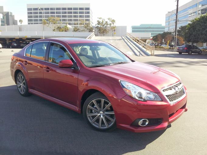 Subaru Legacy 2.5i Sport quarter front