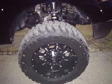 Fuel Krank 20x10 -24offset with 35x12.50x20
