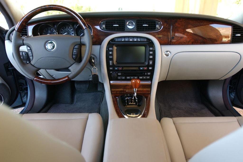 2008 Jaguar Xj8 No Way For An Aux Cable Jaguar