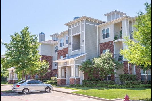 Indigo West Apartments Reviews