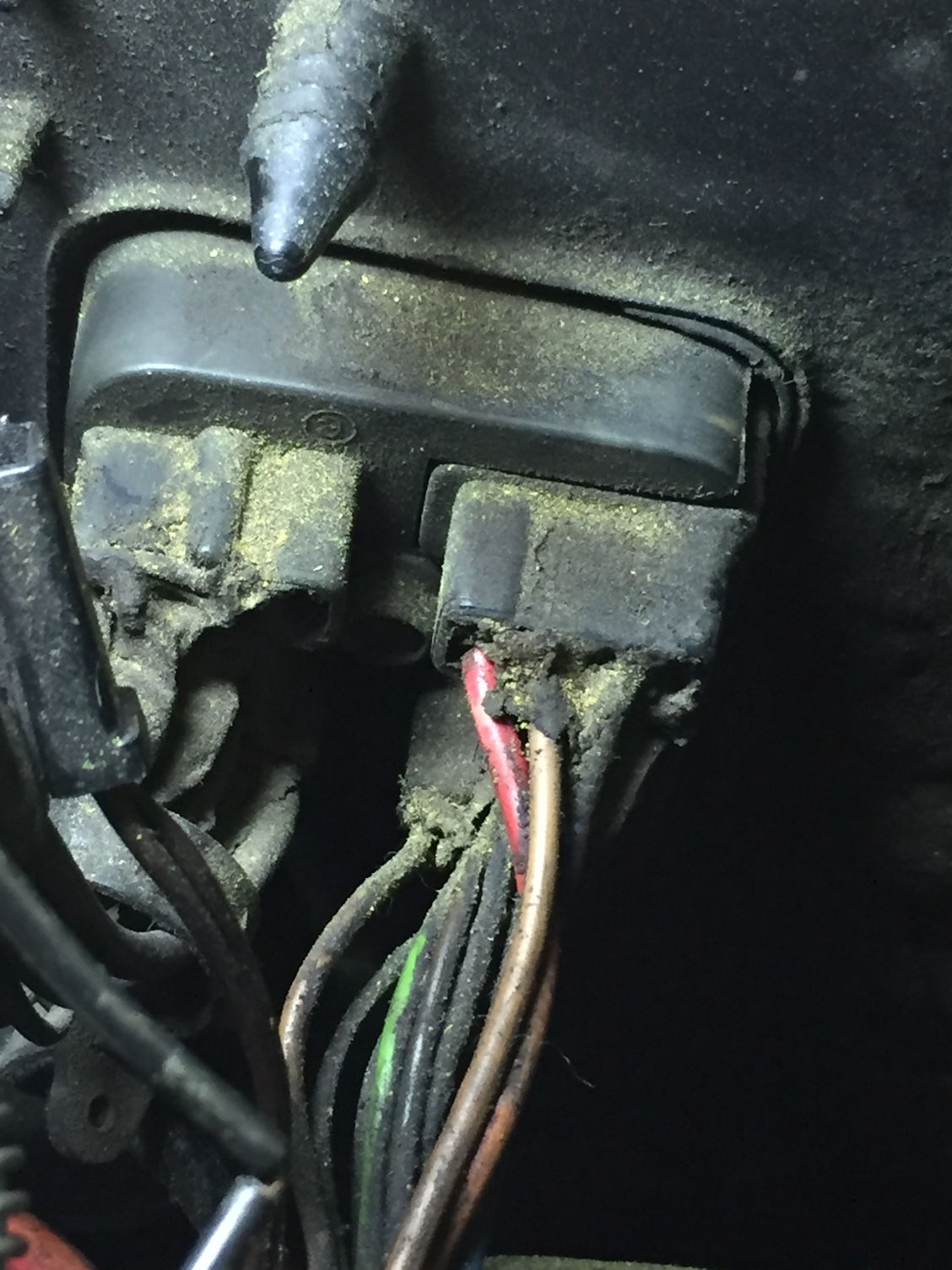 Alternator And Horn Relay Wiring Wire Harness Stud Here Is A Pic Of The Red Black Coming From Firewall Why It Different I Dont Know But Ran To Power On