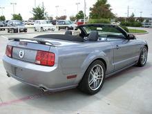 07 gt convertible rear