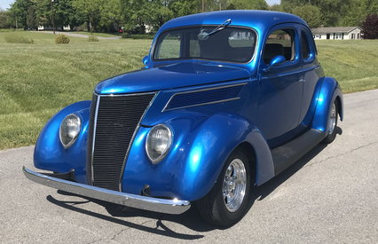 1937  Ford 5 Window Cpe, 350 V8, Auto, Disc, A/C