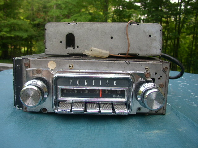 1967 Pontiac GTO  AM/FM STEREO Radio