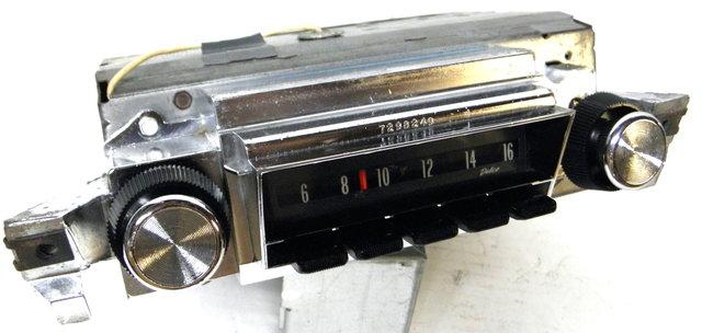 1967 1968 Firebird Camaro GM Delco Radio Pontiac