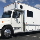 2001 Freightliner United 1410 Garage Unit