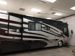2009 Fleetwood Discovery RV Motor Home Pusher
