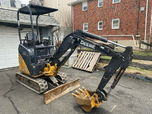 2014 JOHN DEERE D17 MINI EXCAVATOR  for sale $8,500