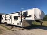 2016 Work and Play 38ft 5th Wheel  for sale $35,000