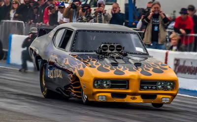 BACK IN BLACK  69 GTO NOSTALGA F/C!