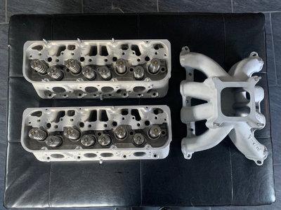 SB2.2 Originally Custom Heads with Edelbrock Intake - Ready