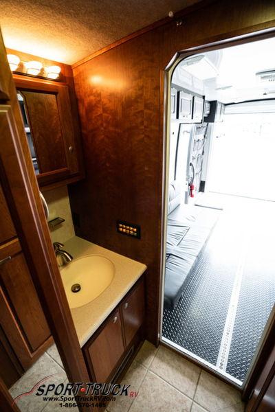 2007 Dynamax 410TH Garage