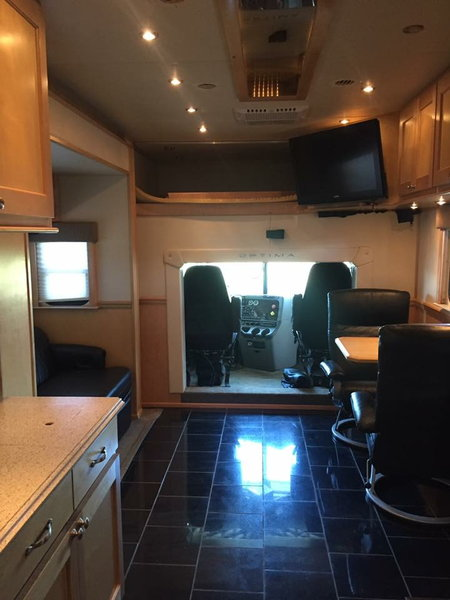 2008 Optima Garage Unit  for Sale $165,000