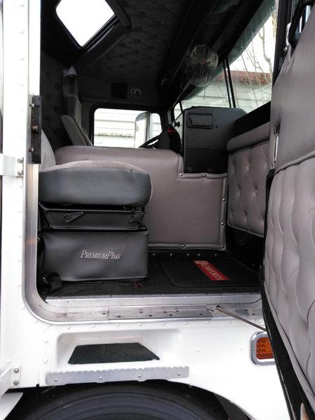 Kenworth K100 Straight Truck  for Sale $139,500
