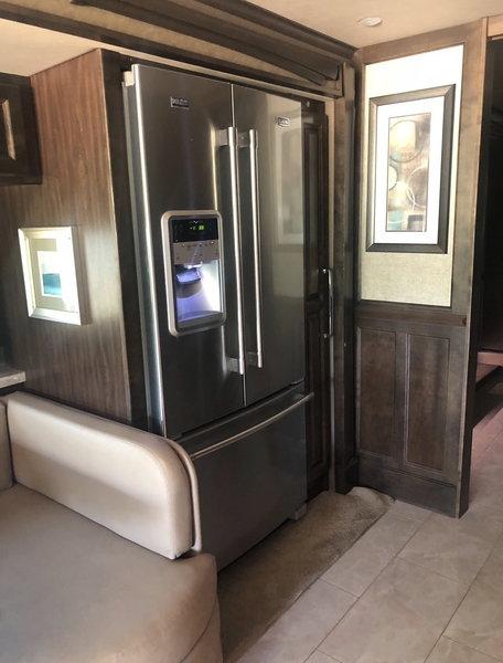 2017 Tiffin Phaeton 40 IH XSH  for Sale $215,000
