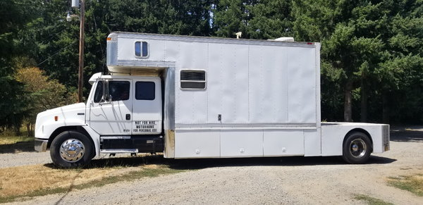 1999 Freightliner FL80 for sale in SPRINGFIELD, OR, Price: $28,000