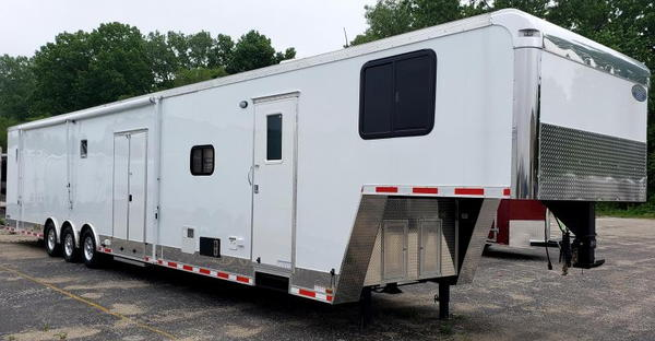 Looking for a trailer w/Living Quarters?