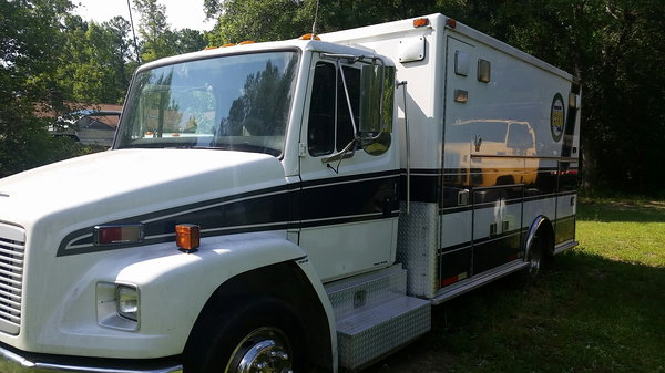 96 Freightliner RV  for Sale $12,500