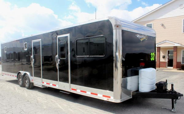 2019 32'w/12' Long Dinette Living Quarters Trailer