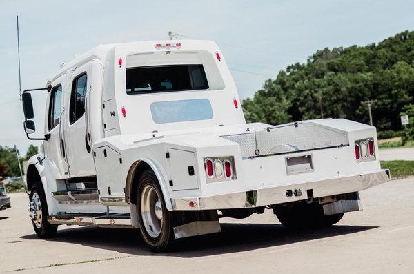 2008 FREIGHTLINER SPORT TRUCK 8.3 CUMMINS ONLY 115K MILES  for Sale $71,500