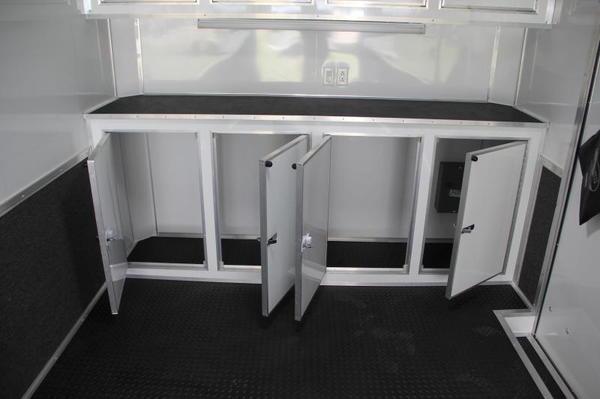 28' Continental Cargo w/ Alum Tread Plate on Ramp