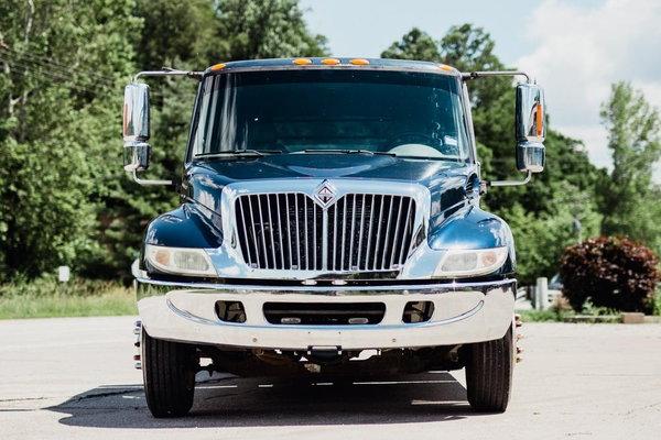 2005 INTERNATIONAL 4700 BIG BLOCK 58K MILES  for Sale $59,500