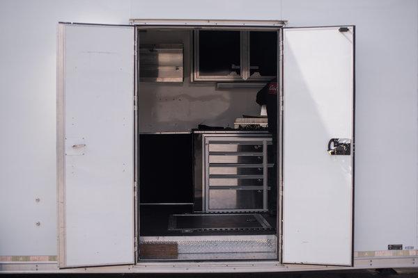 2015 United 42-foot Gooseneck Race Trailer  for Sale $24,500
