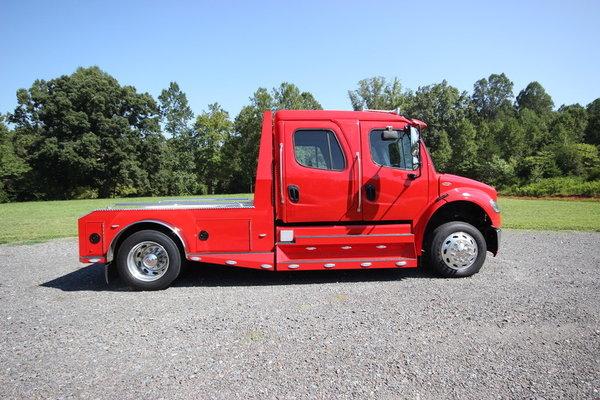 2014 Freightliner® SPORTCHASSIS RHA114-350 M2-106