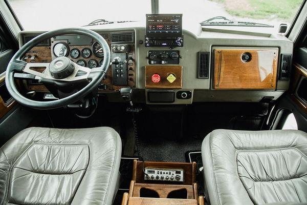 1999 PETERBILT 330  2L CUMMINS HAULER  for Sale $58,500