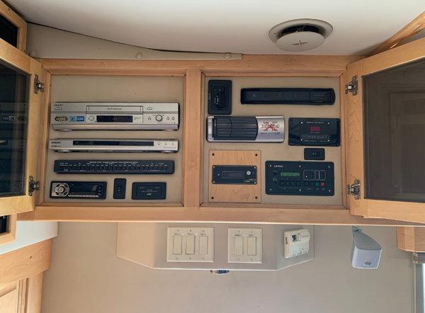 Beautiful 2005 35' NRC Motorhome: 78,000 miles  for Sale $159,900