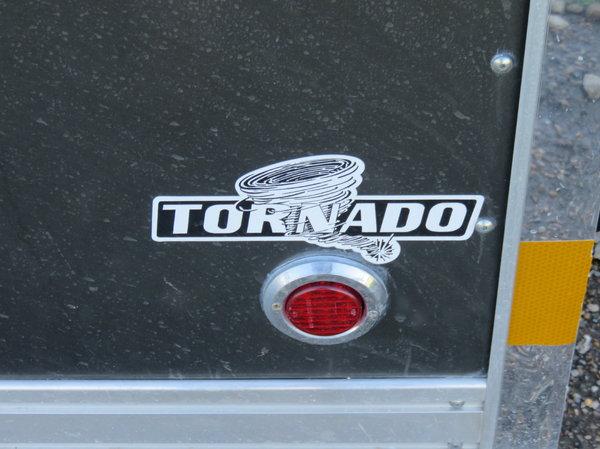 Very Nice 28' Storm Tornado   for Sale $13,000