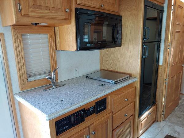 2006 Renegade Garage unit  for Sale $135,000