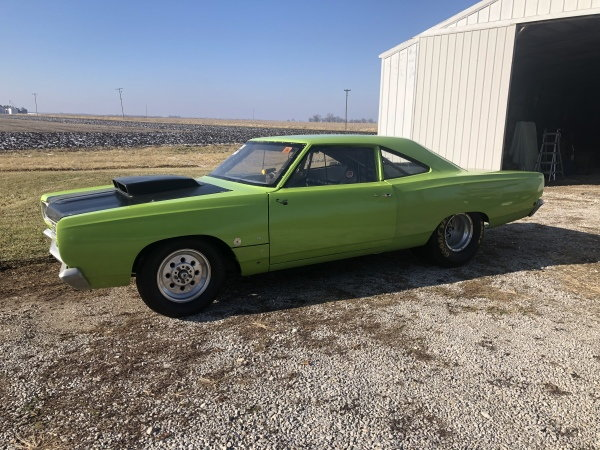 1968 plymouth road runner - $10,500