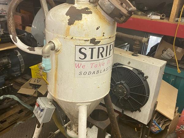 Soda Blasting Machine