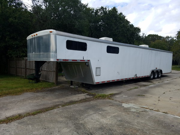 48' Toy Hauler w/ living quarters  for Sale $11,900