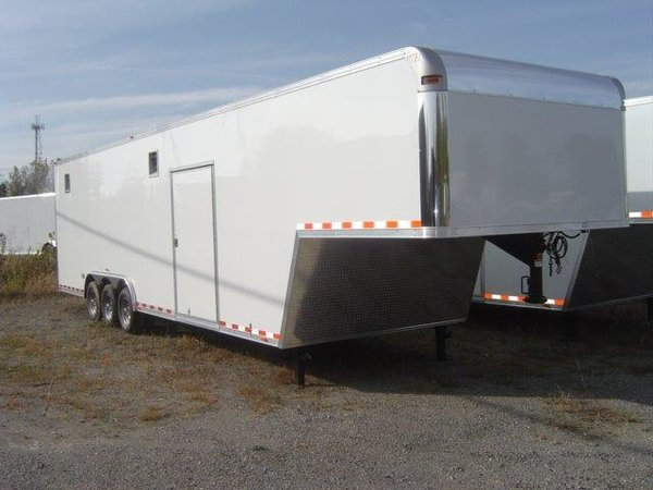 40ft Vintage W/ Triple Axle, Hyd Gear, Extra Height