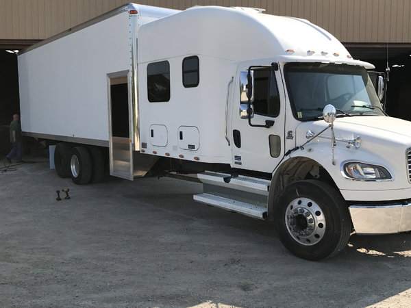 2008 Freightliner M2 106  for Sale $55,000