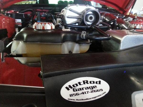 HOTROD GARAGE -1