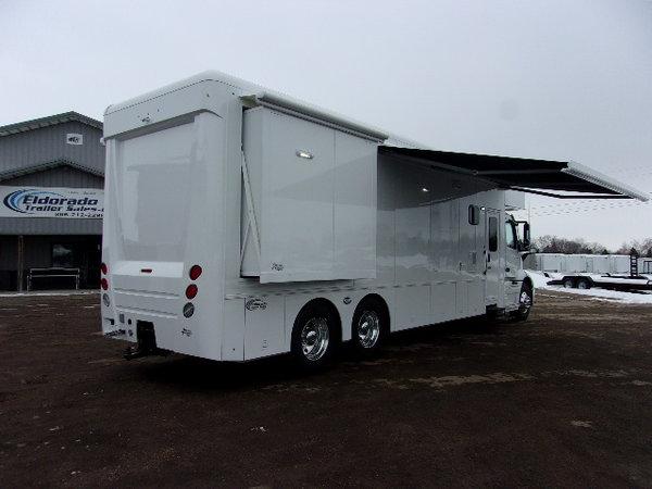 2020 Showhauler 39' 3-slide Motorhome