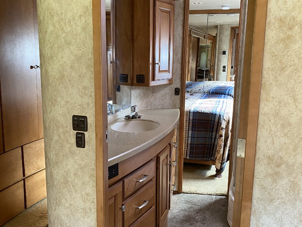 Winnebago Journey 40t  for Sale $129,500