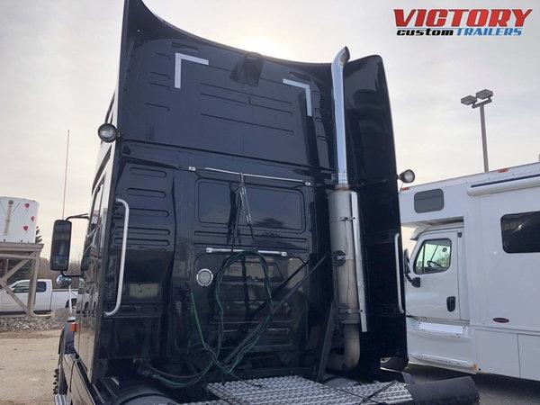 2007 Volvo Semi Truck