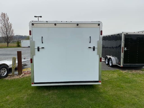 2020 22' Featherlite V Nose w Front Ramp  for Sale $19,999