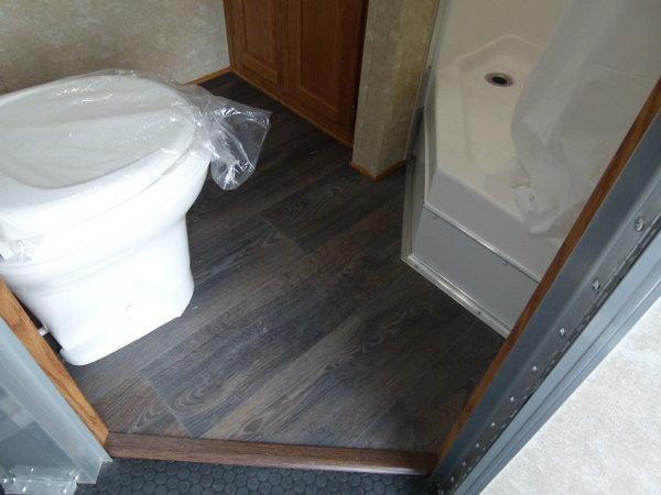 2019 48' CARGO MATE ELIMINATOR BATH ROOM