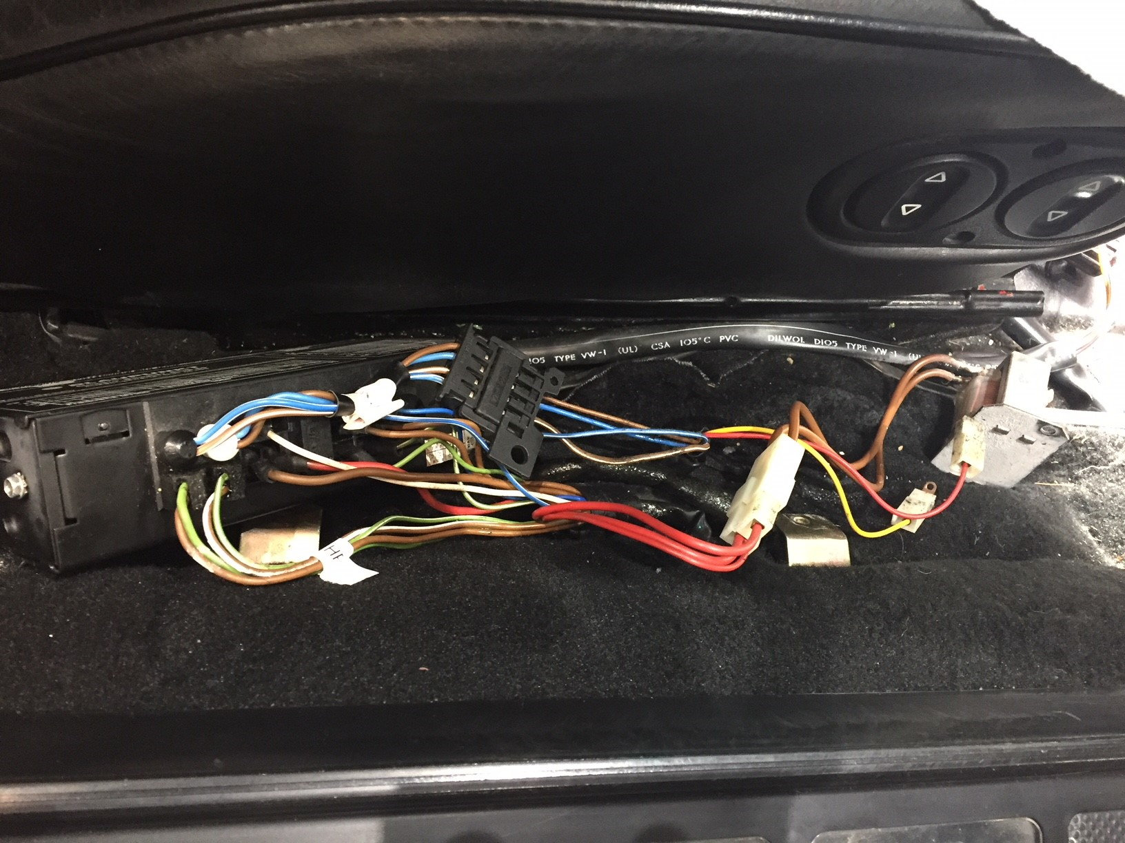 19865 928s Radio Wiring Experts Help Please Rennlist Porsche Aftermarket Power Antenna Diagram With Toggle Switch Thanks In Advance For Any