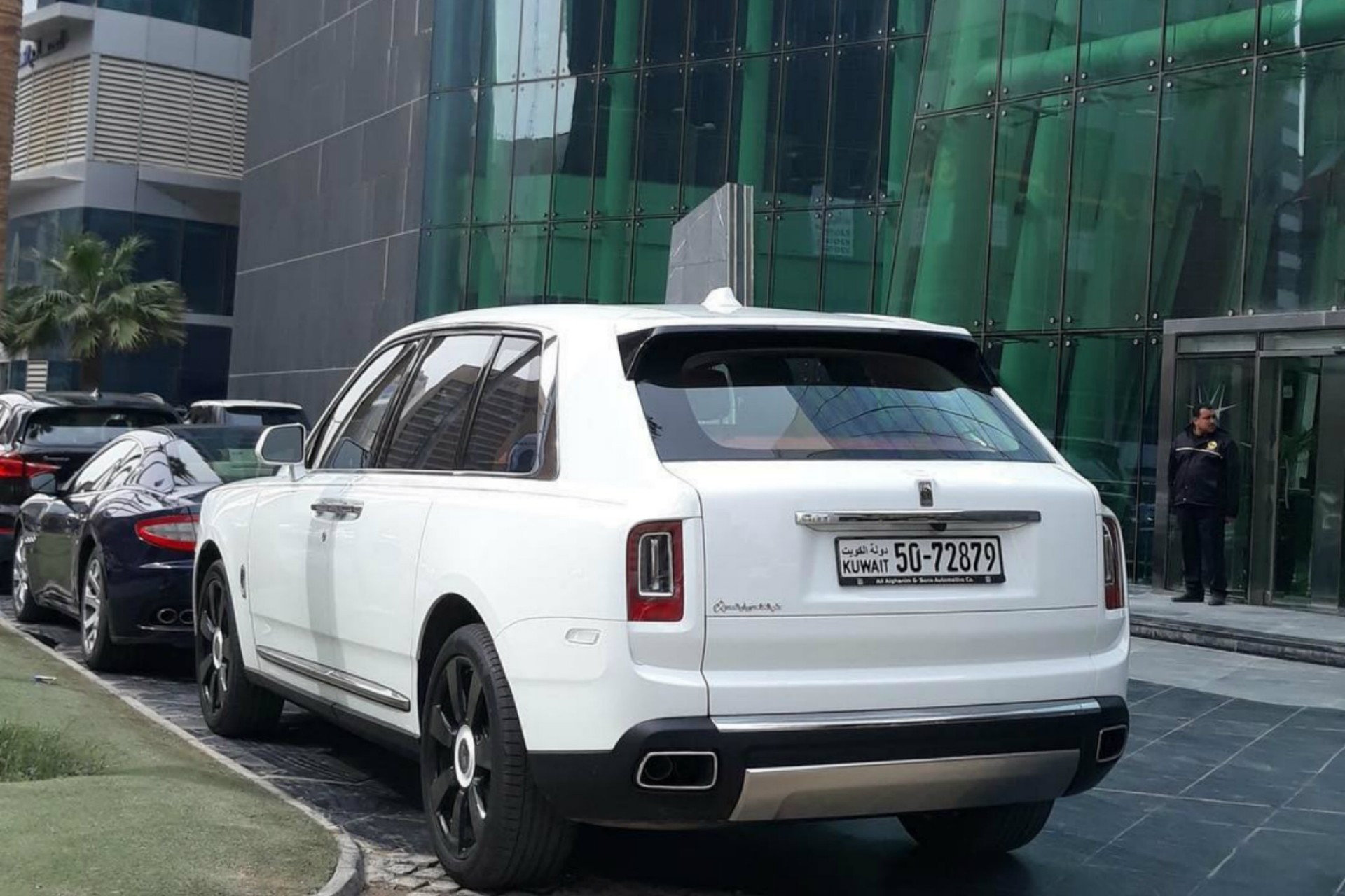 Range Rover Used For Sale >> White Rolls Royce Cullinan In Kuwait - 6SpeedOnline ...