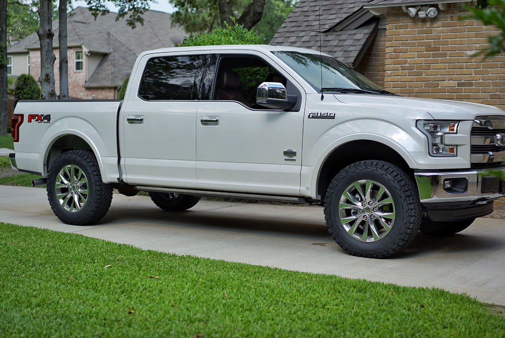 my 2 5 leveled w 35s king ranch ford f150 forum. Black Bedroom Furniture Sets. Home Design Ideas