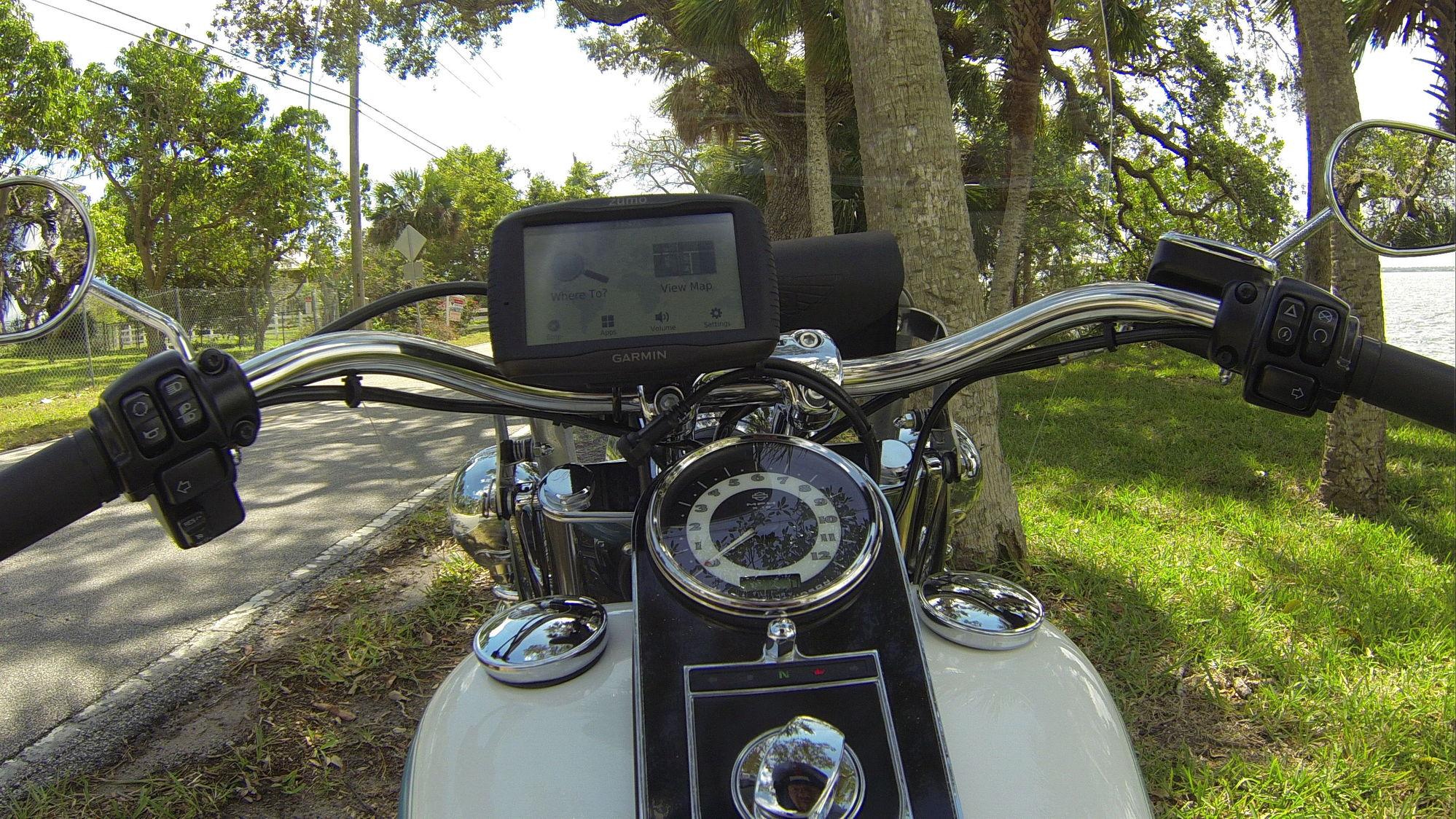 Garmin Zumo 595 Question - Harley Davidson Forums